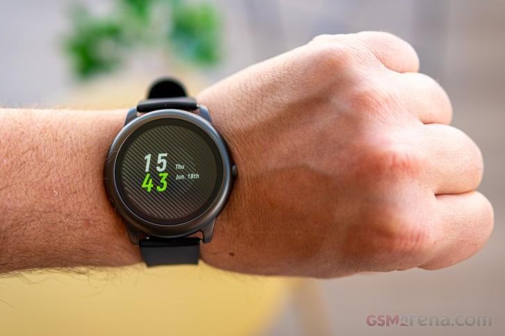 ساعت هوشمند هایلو سولار LS05